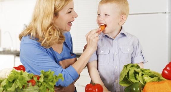 10 cách để hình thành thói quen ăn uống lành mạnh cho trẻ